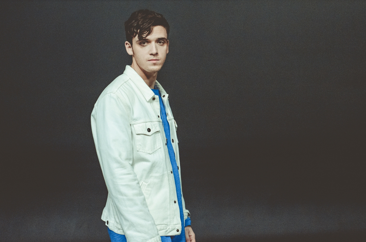 Hitmaker Lauv shares new single 'Paris In The Rain'
