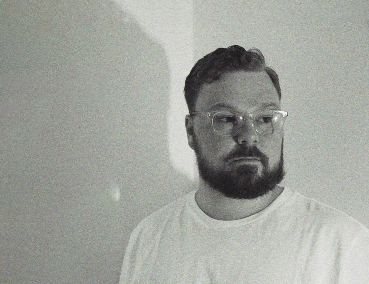Arthur Wimble channels James Blake and Andy Bull in his enigmatic new single 'Miss You'