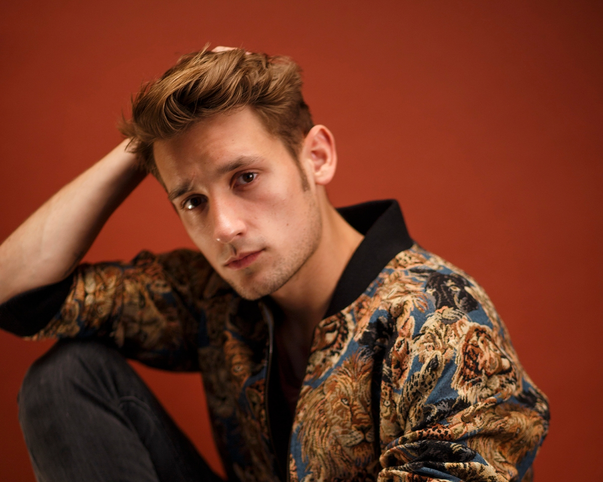 One to watch, Max Embers releases refreshing debut single 'Lying'