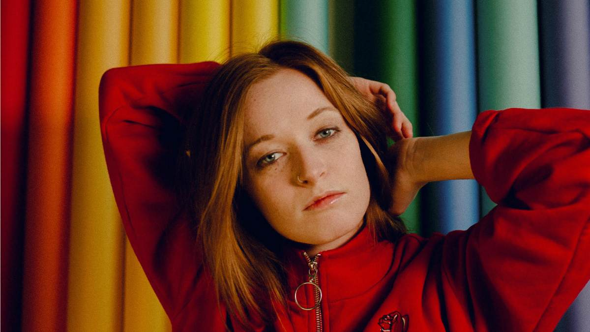 London-based indie pop sensation Orla Gartland shares her infectious, honest new single 'Between My Teeth'