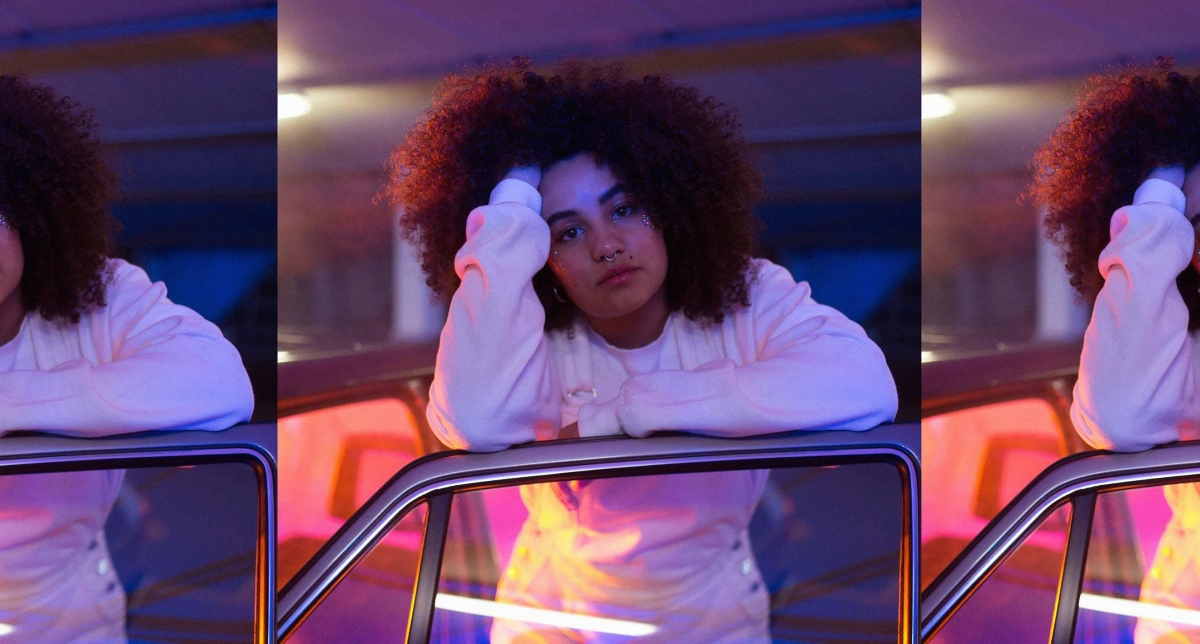 19 year-old emerging songwriter Ruti drops stunning single 'Racing Cars', taken from her new EP of the same name