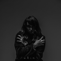 Rhode Island's Lainey Dionne unveils introspective new dark pop ballad, 'Skin'