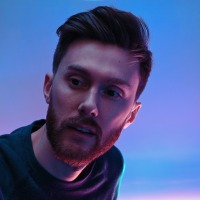 Draper finds self-discovery through vibrant pop-fueled 'Moments'
